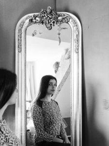 """Mariëlle (16): """"Thuis is de geur van wasmiddel, een schoongewassen bed, gewassen kleren. Materiële dingen doen er niet toe."""""""